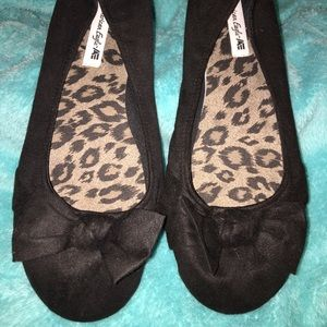women's flats with bow